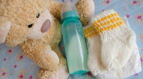 Microplastiques : Attention aux biberons et bouilloires en polypropylène