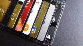 «Carte bancaire et chèque : ces 4 petits gestes qui permettent d'échapper aux arnaques»