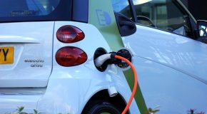 Voiture électrique : un crédit d'impôt pour l'installation d'un système de charge
