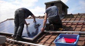 «Installation de panneaux solaires : vous avez droit à des aides !»